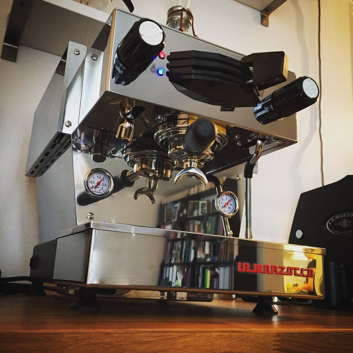 machine espresso espressologie fr. Black Bedroom Furniture Sets. Home Design Ideas